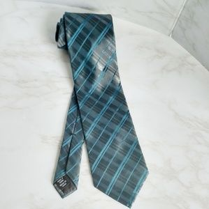 Arrow Plaid Tie